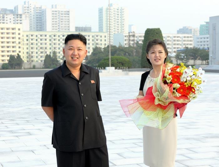 Vì ghen, vợ Kim Jong-un bỏ tù nữ ca sỹ - 2