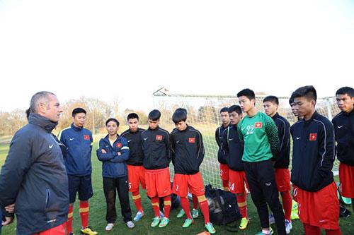 U19 Việt Nam đấu đội bóng cũ của Hazard - 1