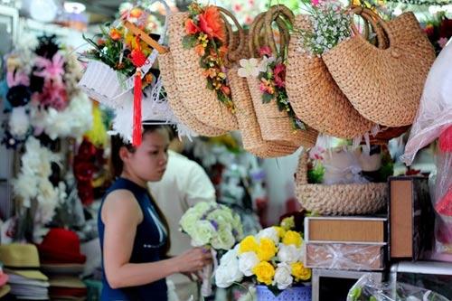 Chợ đồ cưới siêu rẻ ở Sài Gòn - 3