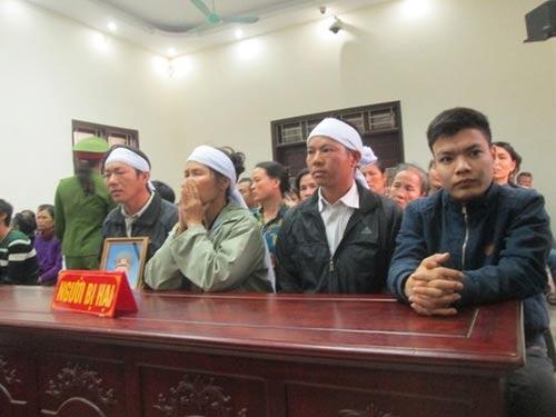 Xử vụ hỗn chiến trên sông Yên: Bị cáo khai bị ép cung - 3