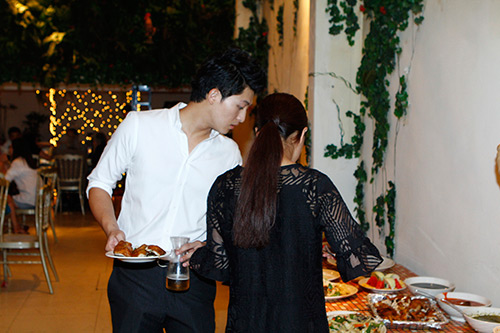 Hoàng Thùy Linh rạng rỡ bên bạn trai tin đồn - 4