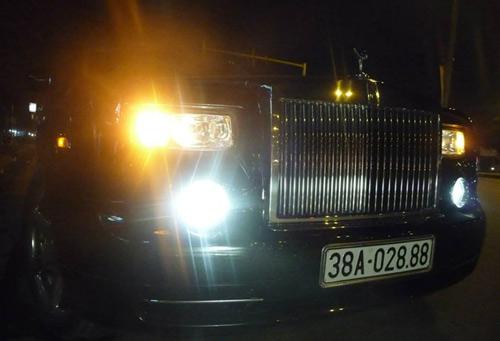 Rolls-Royce Phantom rồng biển Hà Tĩnh xuất hiện ở Hà Nội - 4