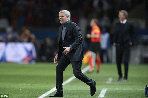 """Mourinho cần một """"Chelsea phiên bản Di Matteo"""" - 2"""