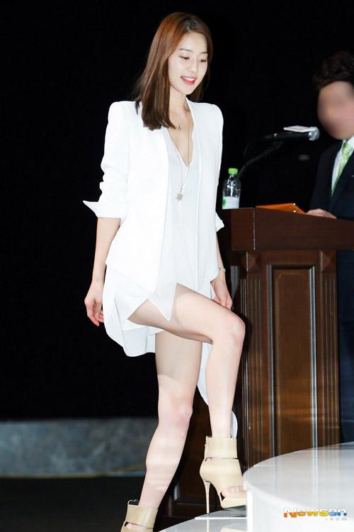 """Mỹ nữ Hàn """"đốn tim"""" fan nhờ màu trắng - 5"""