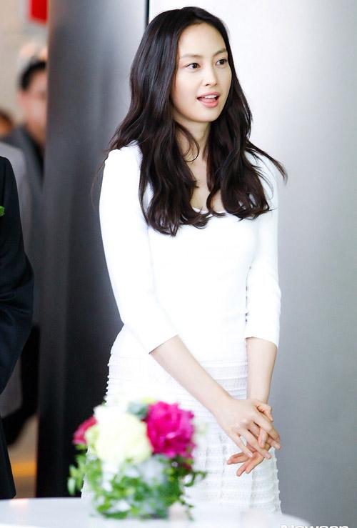 """Mỹ nữ Hàn """"đốn tim"""" fan nhờ màu trắng - 6"""