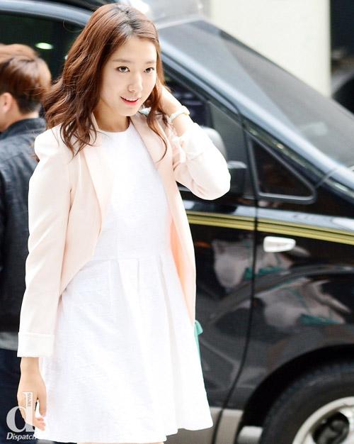 """Mỹ nữ Hàn """"đốn tim"""" fan nhờ màu trắng - 8"""