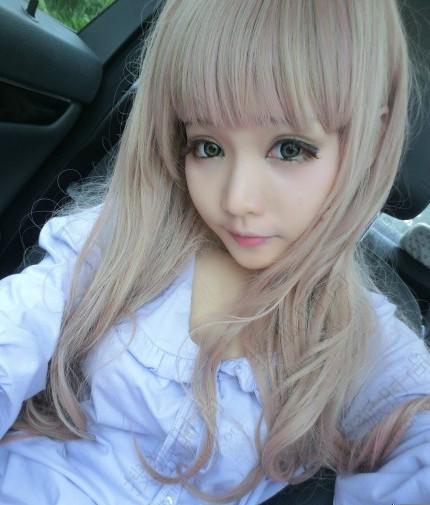 Cô gái tự biến mình thành búp bê Barbie sống - 4
