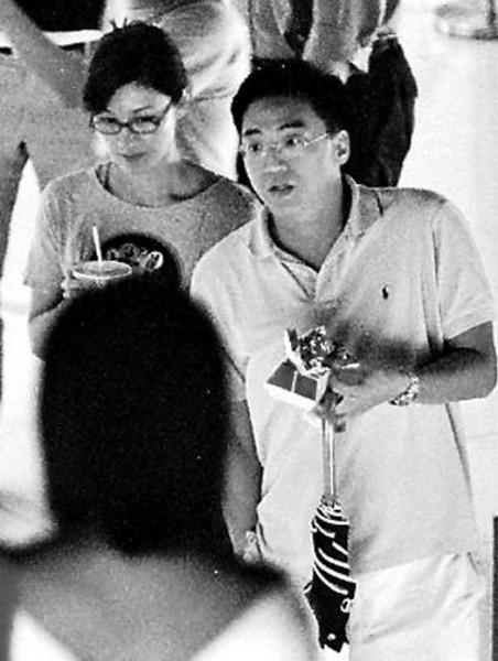 Tình sử phong lưu của đại gia và mỹ nữ Hoa - 12