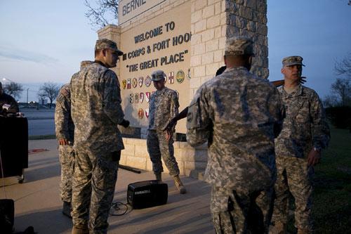 Kẻ xả súng điên loạn ở căn cứ Mỹ là quân nhân - 2