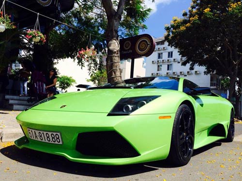 Lamborghini Murcielago xanh cốm thay biển số xe - 1