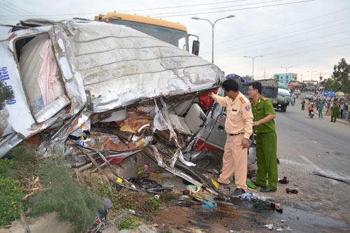 Tai nạn kinh hoàng, 12 người trọng thương - 1