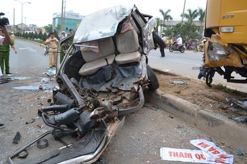 Tai nạn kinh hoàng, 12 người trọng thương - 2