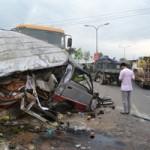 Tin tức trong ngày - Tai nạn kinh hoàng, 12 người trọng thương