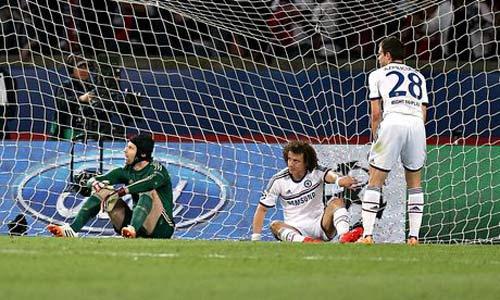 Chelsea thua đau PSG: Mourinho nên tự nhận lỗi - 1