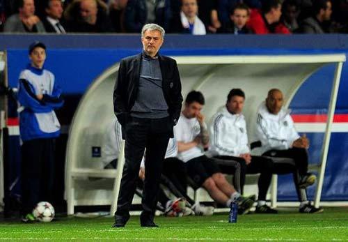 Chelsea thua đau PSG: Mourinho nên tự nhận lỗi - 2