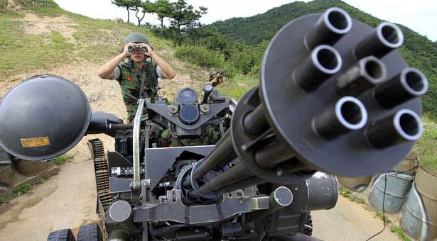 """Pháo Hàn Quốc """"bó tay"""" trước máy bay Triều Tiên - 1"""