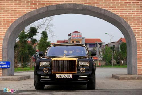 Cận cảnh Rolls-Royce Phantom mạ vàng ở Hà Nội - 2