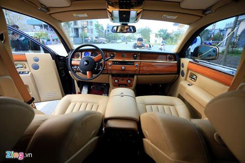 Cận cảnh Rolls-Royce Phantom mạ vàng ở Hà Nội - 12