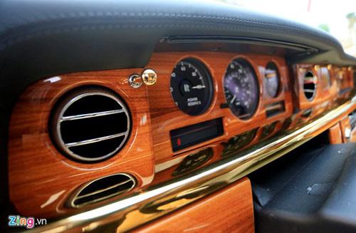 Cận cảnh Rolls-Royce Phantom mạ vàng ở Hà Nội - 13