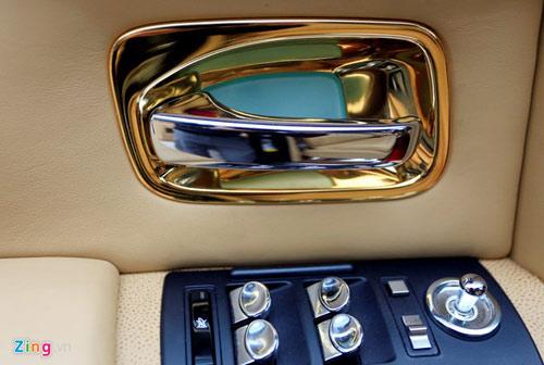 Cận cảnh Rolls-Royce Phantom mạ vàng ở Hà Nội - 14