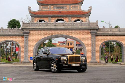 Cận cảnh Rolls-Royce Phantom mạ vàng ở Hà Nội - 3
