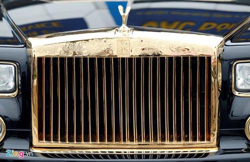 Cận cảnh Rolls-Royce Phantom mạ vàng ở Hà Nội - 6
