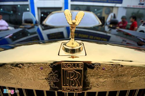 Cận cảnh Rolls-Royce Phantom mạ vàng ở Hà Nội - 10