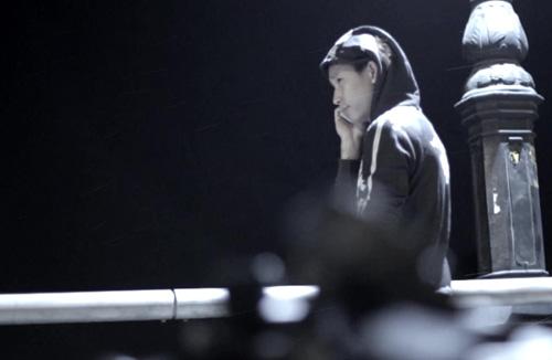 Bạn trai Thu Thủy lái moto khủng quay MV ca nhạc - 5