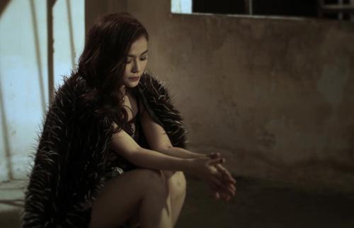Bạn trai Thu Thủy lái moto khủng quay MV ca nhạc - 11