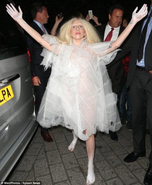 Lady Gaga và 9 lần nổi loạn nhất - 9