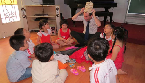 Trẻ mầm non học ngoại ngữ như thế nào? - 1