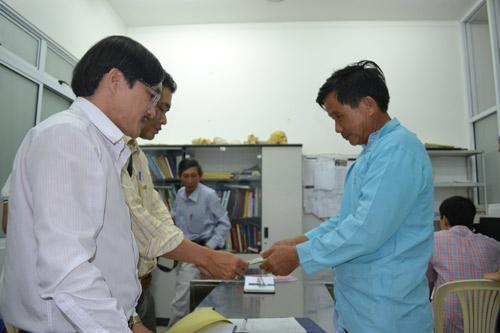 Tai nạn xe khách ở Đà Nẵng: Tài xế tử vong - 1