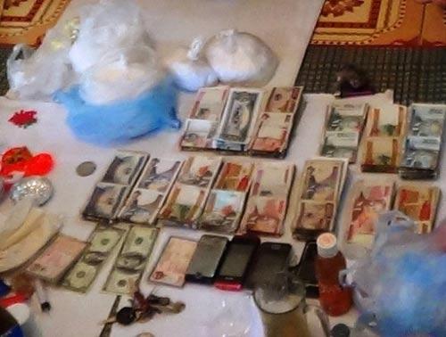 Phá đường dây ma túy xuyên quốc gia, thu 27 bánh heroin - 2