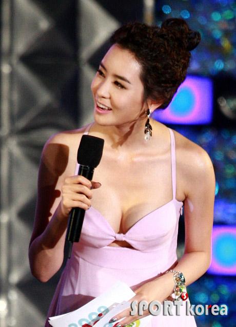 Lee Da Hae quá gợi cảm trên màn ảnh - 9