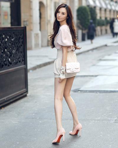 """""""Run rẩy"""" ngắm chân đẹp của mỹ nữ Hoa - Hàn - 9"""