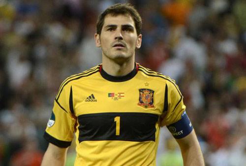 "Casillas: ""Ngồi chơi"" kiếm tiền nhiều nhất - 1"