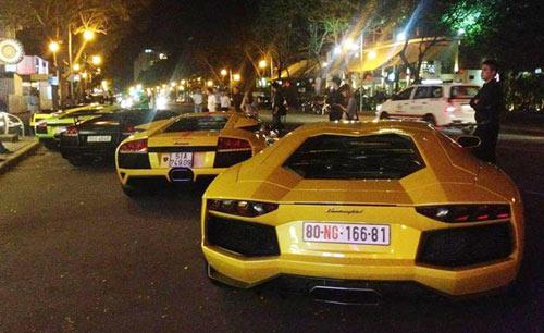 5 siêu xe Lamborghini tụ họp ở Sài Gòn - 1