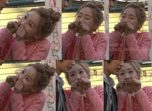 Video: Taeyeon (SNSD) bị Minho hớp hồn - 2