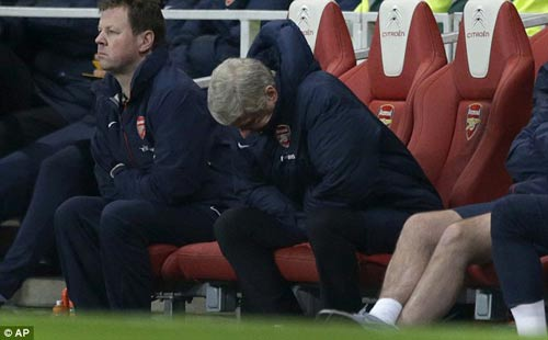 Gần nửa số fan Arsenal muốn Wenger nghỉ việc - 1