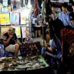 Thị trường - Tiêu dùng - Trang sức Trung Quốc 50.000 đồng/kg ngập chợ Sài Gòn