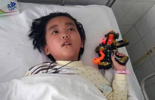 Bé trai 7 tuổi chọn cái chết để cứu sống mẹ - 3
