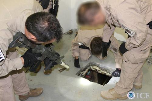 """Phát hiện 2 """"siêu đường hầm"""" buôn ma túy xuyên Mỹ-Mexico - 3"""