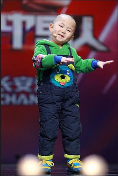 Tranh cãi về cậu bé 3 tuổi gây sốt Amazing Chinese - 3