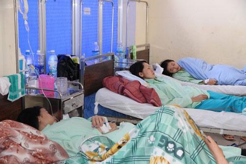Dân Đà Lạt nhập viện vì ngộ độc bánh mì - 1