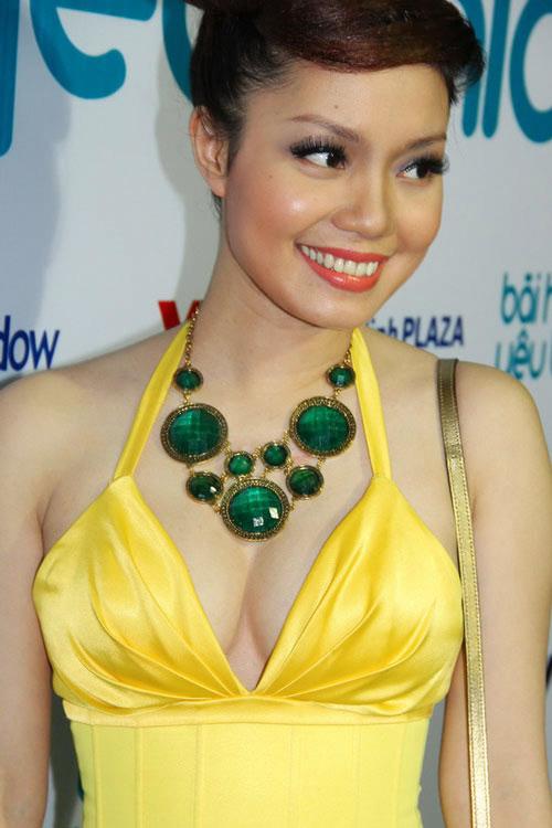 Ngạt thở vì vẻ đẹp phồn thực của người đẹp Việt - 3