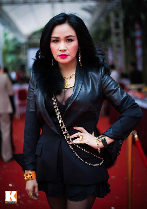 Ngạt thở vì vẻ đẹp phồn thực của người đẹp Việt - 1