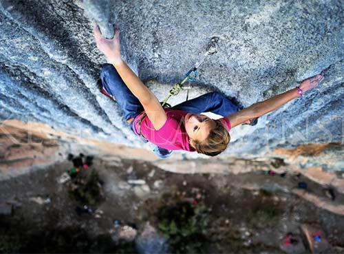 """Cô gái 21 tuổi trở thành """"nữ hoàng leo núi"""" - 10"""