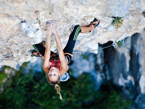 """Cô gái 21 tuổi trở thành """"nữ hoàng leo núi"""" - 5"""