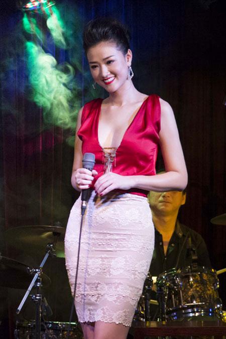 Ngạt thở vì vẻ đẹp phồn thực của người đẹp Việt - 7