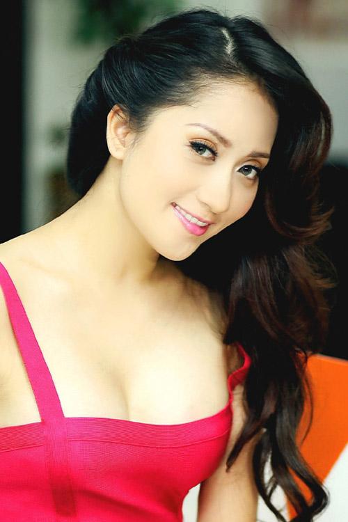 Ngạt thở vì vẻ đẹp phồn thực của người đẹp Việt - 11